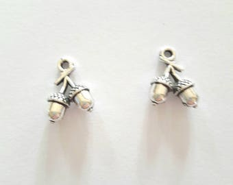 2 acorns Christmas charms antique silver metal