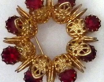 Vintage - Red Stone and Goldtone Circle Brooch