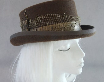 Steampunk Top Hat. Brown Fur Felt Hat with Antique Gold Metal Mesh. Hand Beaded Couture Millinery. Bronze Victorian Style Tophat for Women.