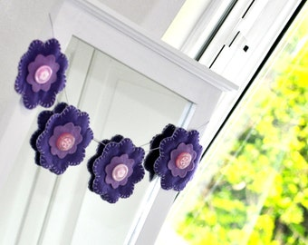Flower Bunting / Purple Bunting / Felt Button Bunting /  children's room decoration / Purple Garland /Hand sewn bunting