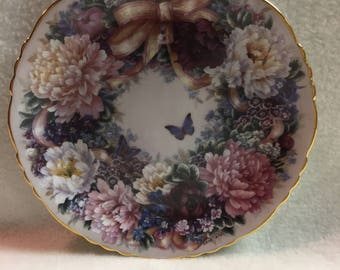 Bradford Exchange Floral Greetings Collector Plate - 'Circle of Love' (#217)