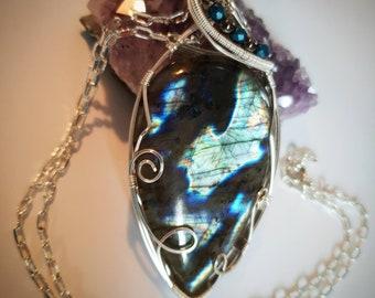 Copper pendant featuring a beautiful labradorite Teardrop