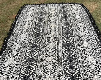 Black and White Coverlet (Twin/Full)