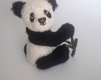 Panda teddy bear - mohair collectible kunstenaar panda Beer met eigen bamboe!