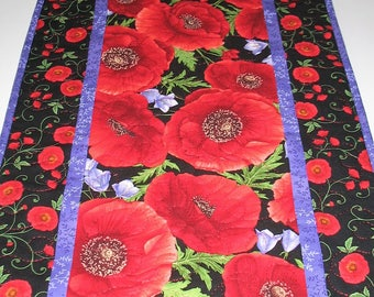 Poppy Table Runner or Wall Hanging, handmade, quilted, table runner quilted