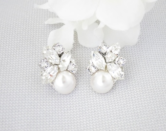 Swarovski cluster stud earrings, Rhinestone bridal earrings, Pearl wedding earrings, Vintage style crystal jewelry, Mother of Bride earrings
