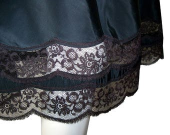 Vintage 1950s Barbizon Petti-Chic Black Chantilly Lace Tafredda Half Slip Size Medium
