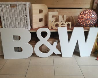 Wooden large letter, print letter, off-white or colored, can stand on the right