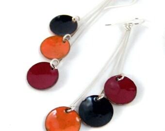 poppies pendula enamel earrings / fire red, harvest orange, black