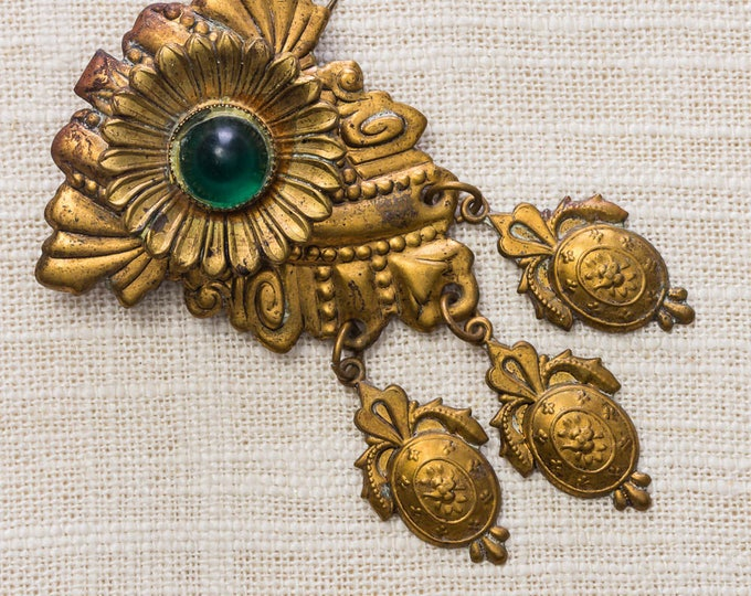 Gold and Green Brooch Vintage Flower 1920s Dangling Medallions Crests Broach Vtg Pin 7YY