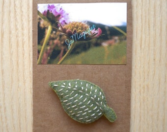 Green felt leaf brooch, brooch nature, eco friendly brooch, nature gift