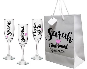 Custom Bridal Party Champagne Flute - Many Color Options - Bridal Gift - Bachelotette Party - Wedding Gift - Bridal Party Gift - Champagne G