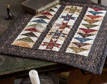 Primitive Folk Art Quilt Pattern - Two Way Street - Table Top or Wall Quilt Pattern