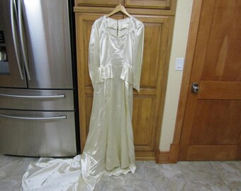 Vintage Antique 1940's Beaded Ivory Slipper Satin Wedding Bridal Gown Dress with Peplum---0318--000034