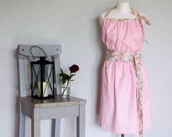 Pink women apron / Ladies pinny / Vintage apron / Ladies Apron / Womens Pinny / Retro Chef Apron / Floral Apron