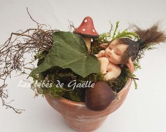 Mini baby - little Elf is sleeping