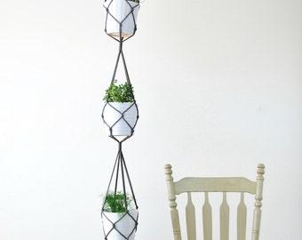 Three Tiered MACRAME PLANT HANGER // Simple Hanging Plant Holder for Three Plants // Modern Macrame for 3 Pots // Long Hanging Pot Holder