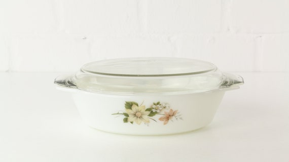 Oval Pyrex form with lid Midcentury 70 er years oval Pyrex pot & Lid