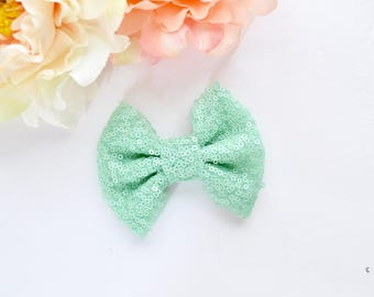 Medium Baby Mint Sparkle Bow