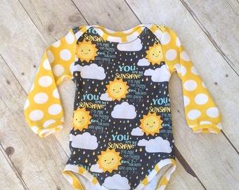 Baby Body - Einteiler - du bist mein Sonnenschein-Bodysuit