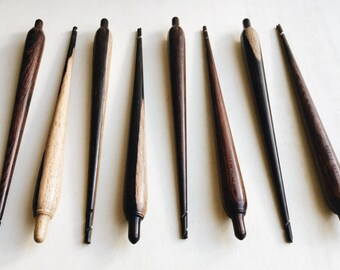Portuguese Spindle from Saber Fazer in Portugal, aviable in Maple or Rosewood, hand carved spiral tip.