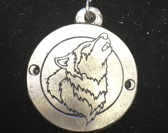howling wolf pewter pendant
