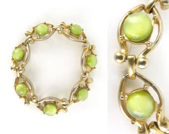 pale green glass bead bracelet, 70s gold metal chain link art deco mod bracelet, 1970s chunky jewel bracelet, costume jewelry, jewellery