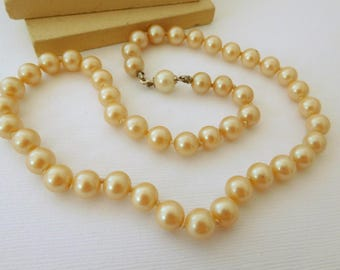 """Vintage Cream Off-White Glass Pearl Knotted Bead 16"""" Choker Necklace DD47"""