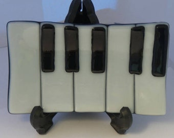 Fused glass piano dish / piano soap dish / candle holder/ glass keyboard dish