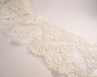 Ivory Rose Pattern French Alencon Lace Trim--One Yard