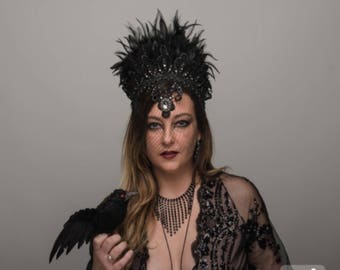Dark Queen Black Halo Raven Crown Gothic Lace Veil Feather Evil Gray Headdress Drag Queen Festival Carnival Costume Witch Headpiece Grey
