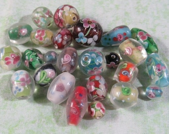 25 Handmade Assorted Flower Glass Lampwork Beads (B414e)
