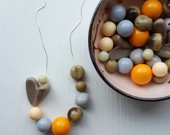 my heart belongs to midcentury mod - necklace - vintage lucite - neutral necklace - chunky necklace - grey necklace