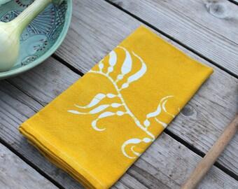 pair of kelp dinner napkins in chartreuse
