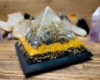 Orgone Pyramid - Harmony Of Space: Crystal quartz, Fluorite