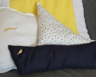 Small pillow ship