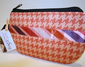 Peach Houndtooth Fabric Wristlet Purse, SmartPhone Wristlet, IPhone Wristlet, Zippered Wristlet