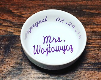 Mrs Ring Dish | Personalized Ring Dish | Date Ring Dish | Bridal Shower Gift |Engagement Gift | Engagement Ring Holder | Jewelry Dish