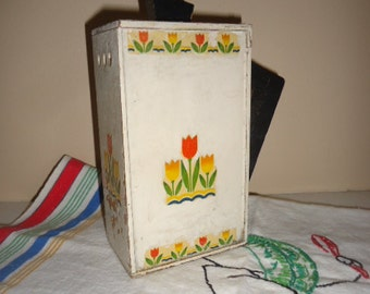 Kitschy Tulips Shabby Vintage Folk Art Wood Soap Flakes Laundry Pitcher