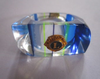 Vintage 1960s Chunky Lucite Blue and Green Ring with Lion's Intl Insignia Size 7 1/2
