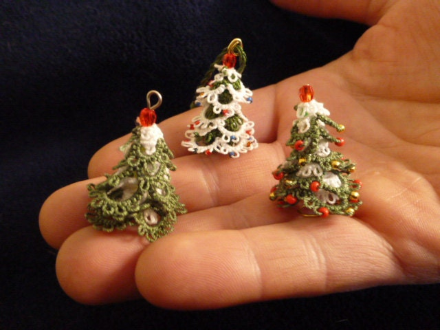 Mini 3D Christmas Tree Pattern And TutorialTatted Christmas