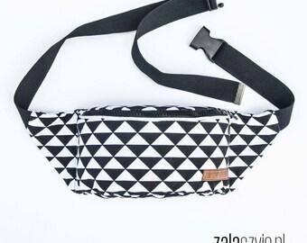 black white Triangles Fanny Pack, Waist Bag, Bum Bag, Hip Pouch, Belt Bag, Custom Made, Slow Fashion