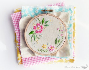 Embroidery kit, DIY kit, Hand embroidery - Circle of flowers - Embroidery hoop art, Broderie, Modern hand embroidery, Craft kit, Tamar nahir