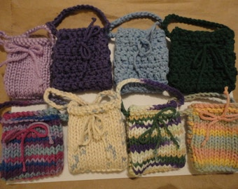 5 assorted mini pouches
