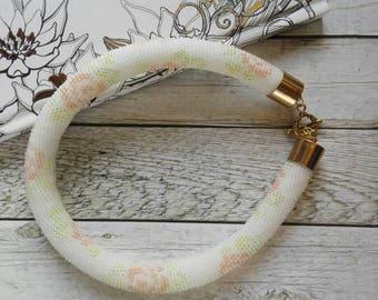 Handmade necklace, beaded necklace, jewellery, flower necklace, crochet necklace