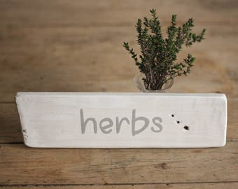 Rustic Herbs Sign - Farmhouse Garden Decor - Farm Wood Signs - Garden Signs - Gifts for Gardeners - Rustic Kitchen Sign - Country Kitchen