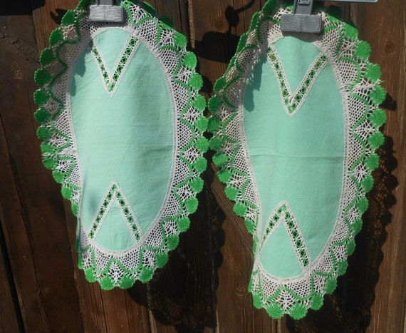 2 Victorian Oval Green Doilies French Cotton Handmade Lace Scalloped Trim Cut Work Sewing Assemblage #sophieladydeparis
