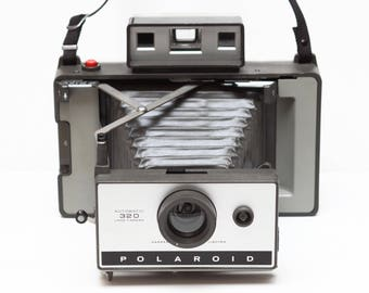 Polaroid 320 Instant Film Folding Land Camera Made in USA 1960s Fully Operational