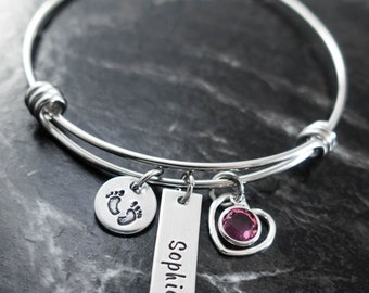 Mom Bangle Bracelet / New Mom Bracelet / Hand Stamped Wire Bangle / New Mom Personalized Wire Bracelet / Baby Feet Jewelry
