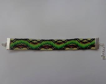 Multicolor beaded bracelet made of cotton threads - friendship bracelet.